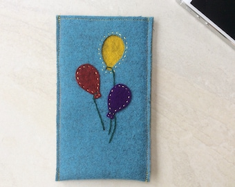 Felt phone case, iPhone cover 7, 6, 6S, wool felt cover, balloons
