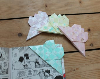 4 bookmarks origami heart bookmarks, bookmarks hand bend