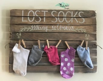 Laundry room Lost Socks Seeking Solemates pallet sign with clothespins