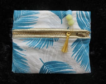 Coin purse - wallet with feather pattern and golden zip - vegan, bohemian, hippie and chic !