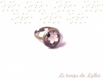 Oriental flower ring
