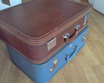 Vintage brown suitcase ,Skyway suitcase, 21x17x7 stacking