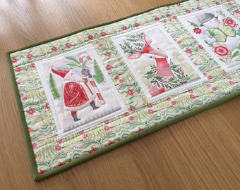 Quilted Table Runner, Christmas Table Runner, Festive Table Topper, Holiday Table Centrepiece, Festive Table Runner, Christmas Table Mat