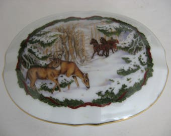 Vintage 1986 Porcelain Musical Trinket Box - White Christmas Music Box  - Japan