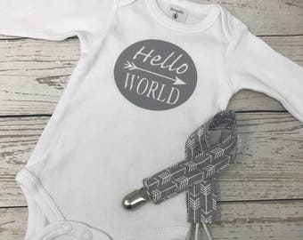 Hello World, Hello World bodysuit, coming home outfit, baby photo prop, baby bodysuit, newborn bodysuit, baby shower gift