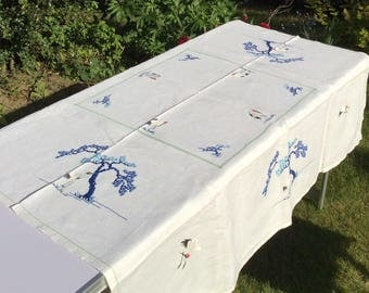 1950s hand embroidery tablecloth-vintage large rectangle tablecloth-Hand embroidered birds.Perfect for an afternoon tea party!