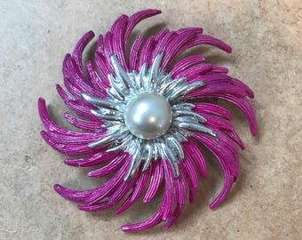 Large unusual colour Sarah Coventry brooch