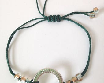 Bracelet green nylon with ring