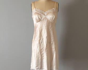 Trina Turk Los Angeles silk slip dress    90s champagne cream silk and lace mini dress