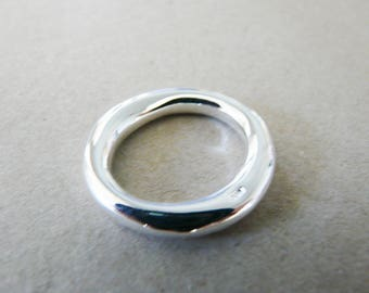 Thick 2.5 cm, plated silver closed ring