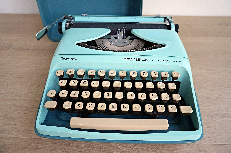 WORKING Sperry Rand Remington Ten Forty Vintage Portable Type Writer w Case