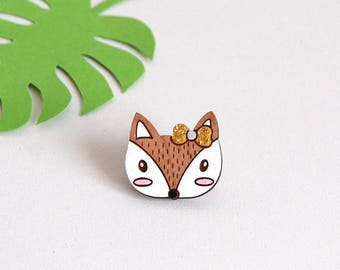 """Pin's wood """"La Coquette"""" _ sober and elegant - brooch made of wood ideal for parties, wood jewelry"""