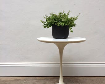 Vintage Arkana Tulip Side Table. Knoll Saarinen. Mid Century Retro