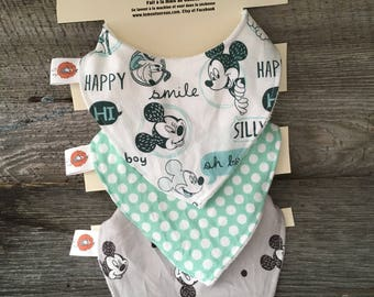 All 3 bibs bib for baby 0-12 month Mickey Mouse turquoise bavana