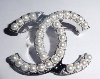 Chanel Entwined CC Brooch. Faux Pearls. Hallmarked. Authentic