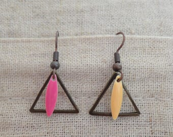 Bronze triangles and sequins earrings neon pink and yellow
