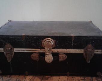 Vintage Metal Steamer Trunk/Steamer Trunk/Vintage Trunks