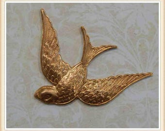 1 pc raw brass swallow sparrow flying bird embellishment ornament stamping #2520