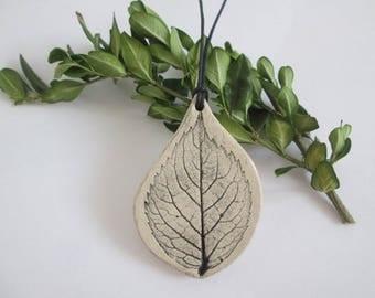 pendant with a leaf, natural pendant, ceramic necklace, ceramic pendant, ceramic jewelry, pendant with plant, ceramics plant, plants pattern