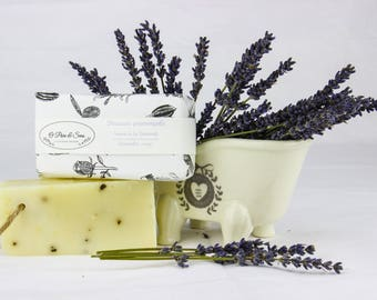 Exfoliating Lavender Provence sweetness, vegan, natural white clay relaxing 100% handcrafted SOAP. All skin types