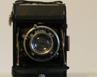 Vintage Dehl French Camera