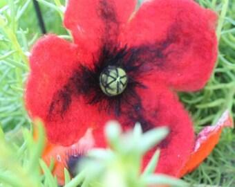 Poppy brooch felt 15 cm