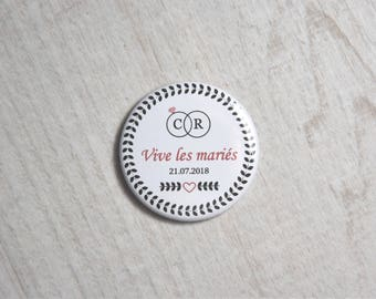 Badge Vive married initials 37mm