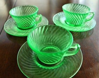 Vintage Green Glass Cups and Saucers, Depression Glass, Hocking Glass, Spiral pattern, Uranium Glass