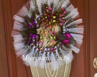 25% OFF Halloween Tulle Wreath, halloween wreath, outdoor wreath, indoor wreath, lightweight wreath, spider wreath