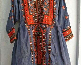 Beautiful Vintage hand embroidered Balochi Dress, Boho Tunic from Balochistan, Boho Kimono Tunic, Afgan Fashion, Gypsy banjara Tunic dress