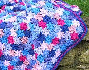 Crochet blanket pattern - crochet throw pattern - crochet afghan pattern - crochet flowers - easy crochet - flower blanket - easy throw