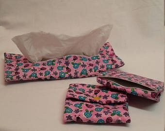 Folding machines for tissue covers