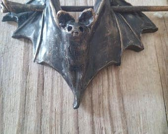 Bat hair slide