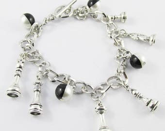 Chess Piece Charm Bracelet with Toggle Clasp 21cm King Queen Bishop Knight Pawn