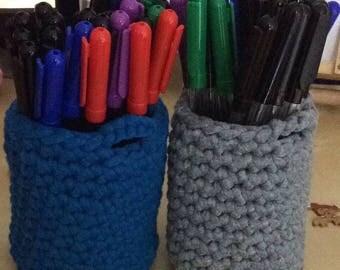 Crocheted Chunky Pencil Pot