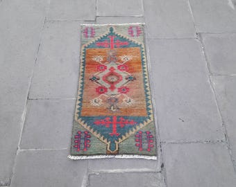 Small rug,turkish small rug,vintage small rug,oushak rug,boho rug,home living,floor rug,hand made small rug,area rug,1.1x2.5 ft