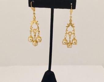 Chandelier earrings, gold and pearls chandelier earrings, bridal earrings, long earrings, wired pearls earrings, handmade bridal earrings