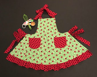 Little Girl's Apron, Lady Bug Print Apron, Child's Bib Apron, Girls Apron, Apron with Pockets, Apron with Ruffle, Polka Dot Girls Apron
