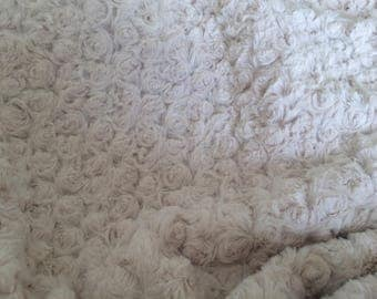 Fabrics fleece flannel color off white very soft not thick