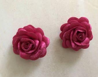 A relief flower 3 cm in diameter pink paste