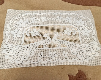 Small tablecloth handmade 62 * 39 cm with white cotton thread