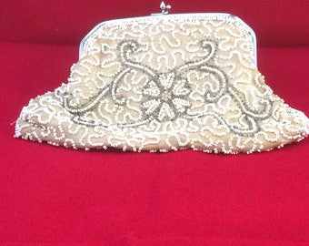 Vintage beaded evening bag/clutch/purse with white metal frame and kissing clasp. 20s 30s 40s retro boho