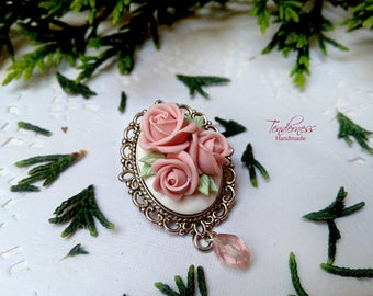 Elegant brooch with hand crafted light pink roses, delicate jewellery, handmade jewelry