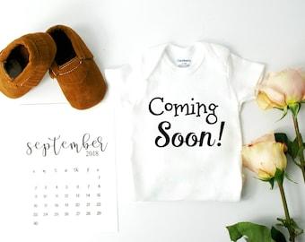 Creative Pregnancy Announcement / Announcing Pregnancy
