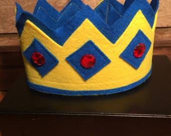 Toddler felt crown