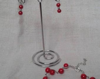pretty ornament small red beads
