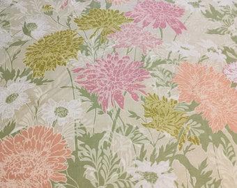 Vintage – Bloomcraft pastel daisies and dahlias  on lightweight medium sheen pastel green cotton