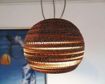 BOL | Handgemaakte kartonnen hanglamp
