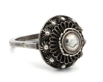 Etruscan Flower Ring, Embossed Siam Ring, Antique 1930s Thai Jewelry, 925 Sterling Silver, Round Dome Ring, Silver Floral Ring, Ring Size 8