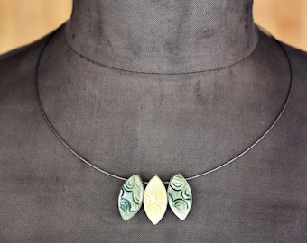 "Ceramic-Necklace ""ornamental"" green-yellow"